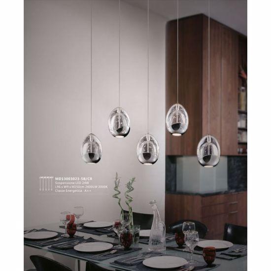 Lampadario moderno tre luci per tavolo da cucina luce for Luci cucina design